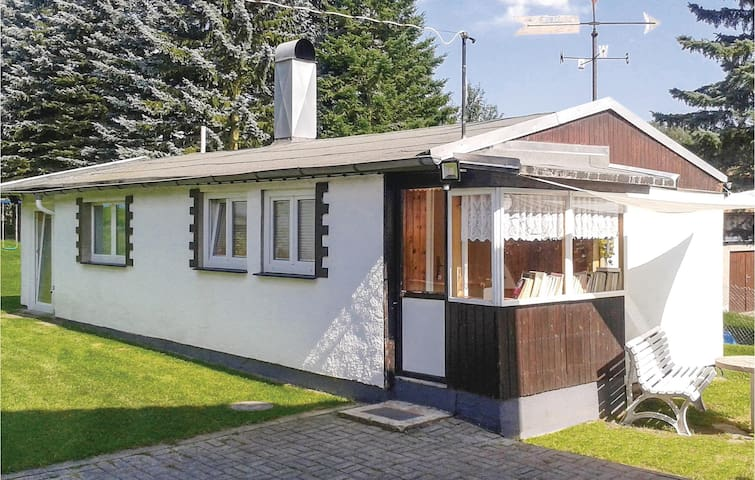 Holiday cottage with 2 bedrooms on 42 m² in Kottengrün