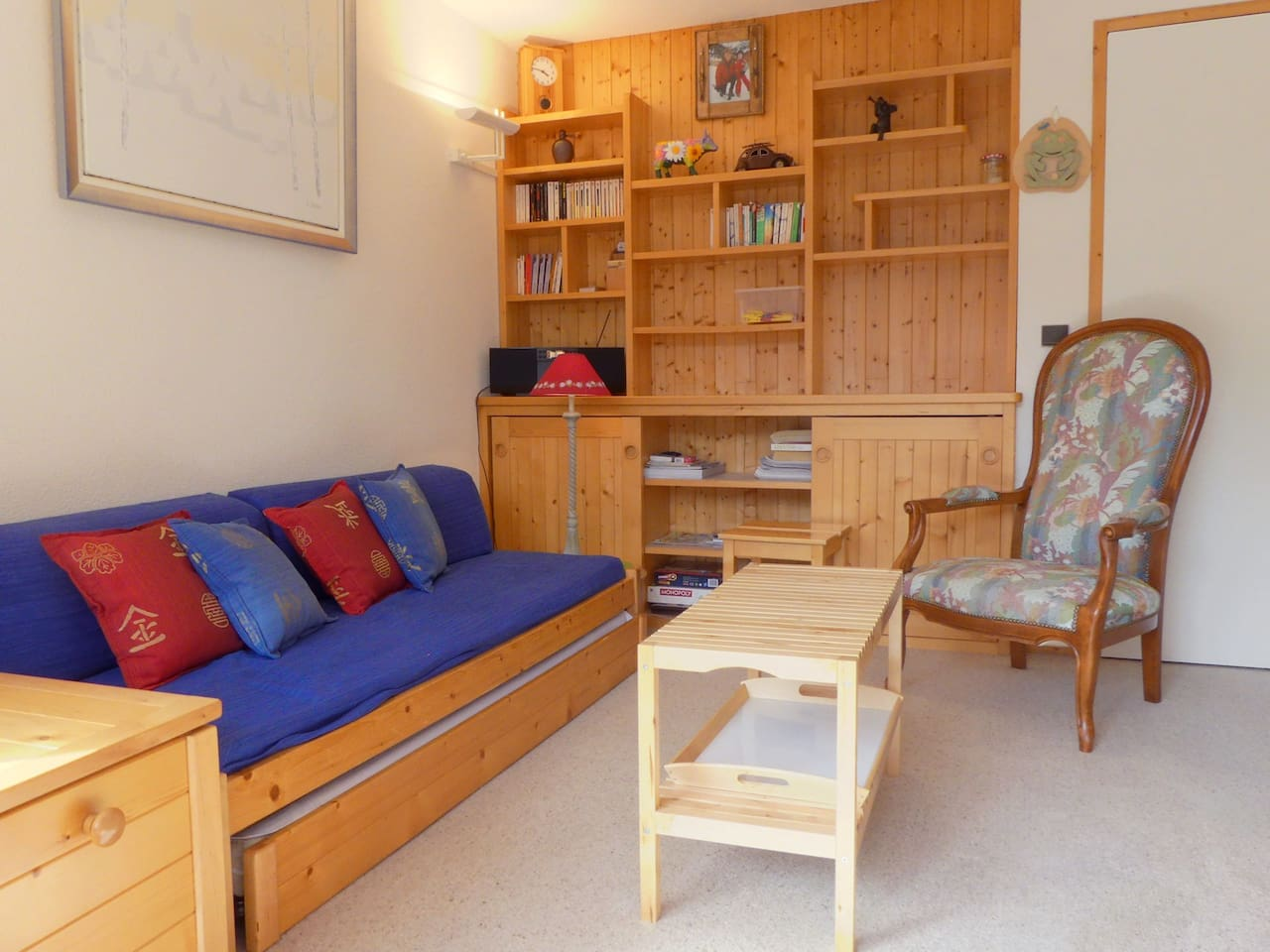 APPARTEMENT BIEN AGENCE IDEAL POUR UNE FAMILLE, PLEIN SUD / CONVENIENT LAY-OUT, IDEAL FOR A FAMILY AND SOUTH-FACING