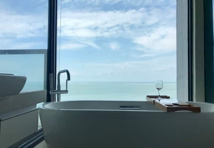 北海C+公寓&民宿之【海宿】15楼一线海景房,房间可做饭&观日落,一分钟到金滩海边,近海底世界,老街