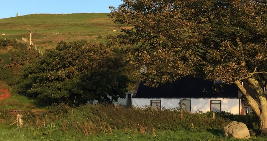Kintyre Costal view rural cottage - Tayinloan - Huis