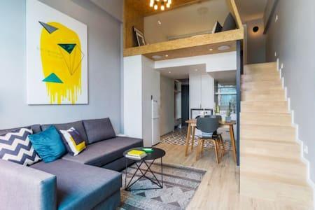 福田 八卦岭 园岭地铁口 美食街旁 复式公寓整租--居心地设计民宿