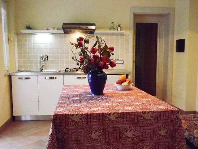 Casa in collina a 5 km dal centro di Perugia