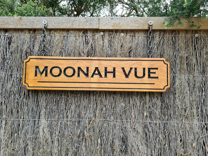 Moonah Vue  Couples Retreat  Set on 2 Acres