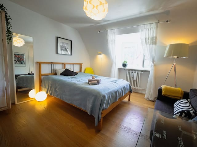 Gemütliches Zimmer mit Waldblick nähe Zentrum