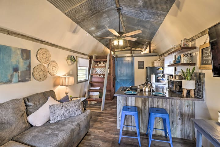 NEW! Hot Springs Tiny House w/ BIG Personality!