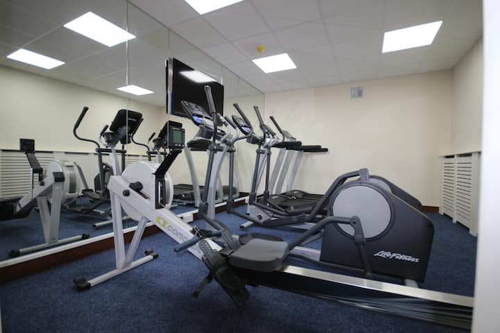 Modern Studio with a private gym all included !