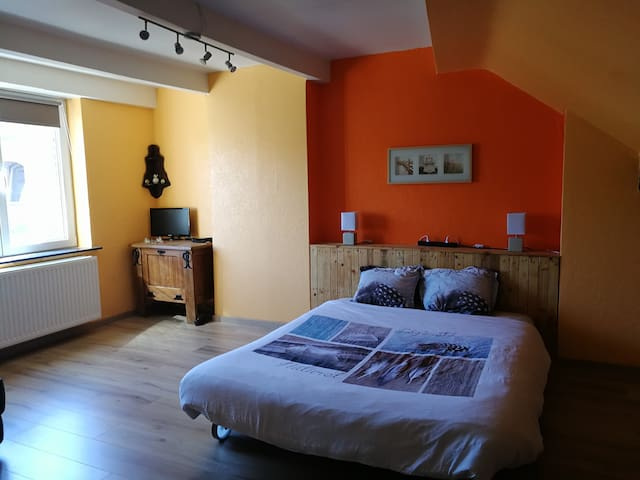 ☀️ Liège Guillemins : grande chambre au calme ❤️