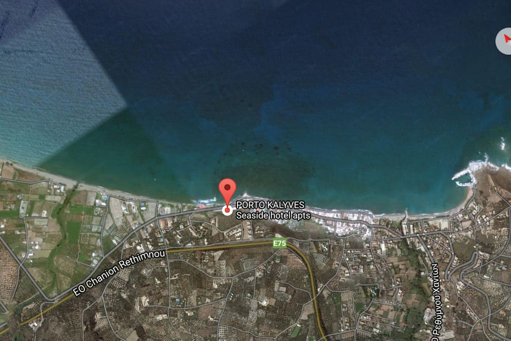 THE LOCATION OF PORTO KALYVES APTS NEXT TO THE SEA