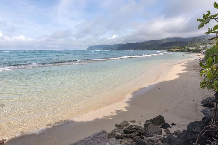 ***Luxury Studio on Sand, Laie, AC Views