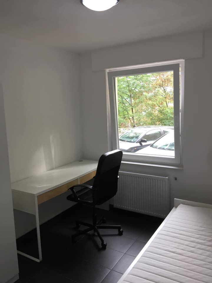 2. Zimmer in einer Studenten-WG!