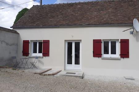 Cottage de 45m² dans propriété sécurisée
