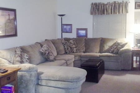 Everything you need 2 bd condo  - Meridian charter Township - Lainnya