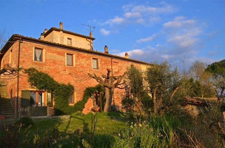 Large apartment in a sustainable farm in Tuscany