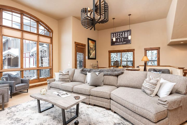 Decadent Design By The Creek | Private Hot Tub | Ski In / Ski Out