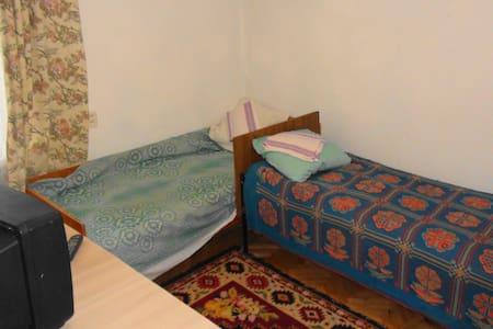 Уютная квартира в удобном месте, центр - Kislovodsk