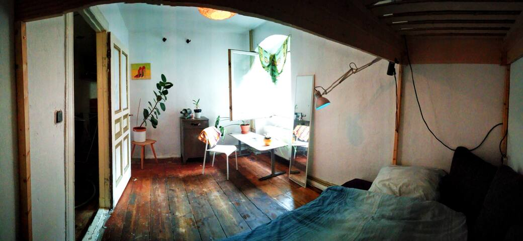 Gemütliches Zimmer / Cosy Room / Berlin Neukölln