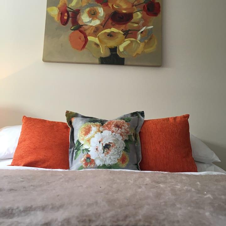 Extra Large Luxury 1 Bed STEVENAGE