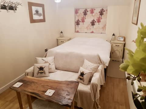 The Beehive Luxury boutique twin/double apartment