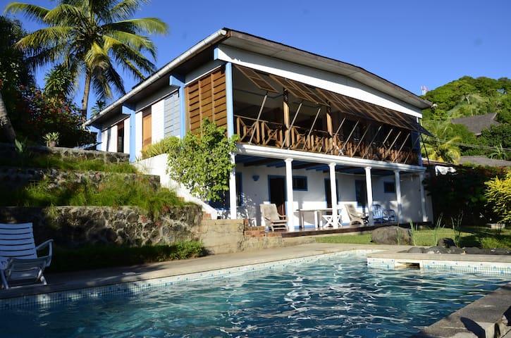 Villa avec vue panoramique 150m mer - Nosy Be - Casa de campo