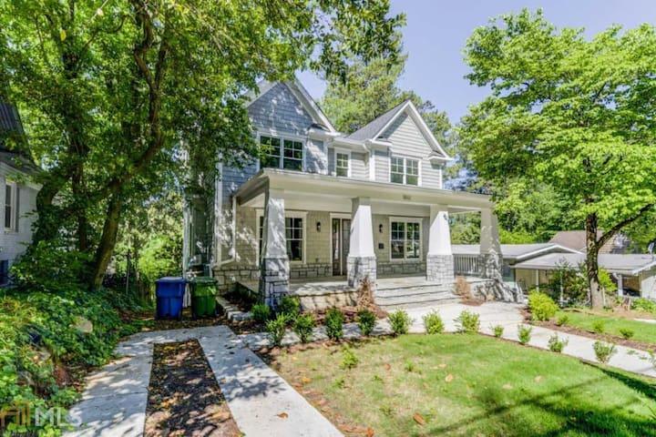 Elegant Home in the Heart of Atlanta/Buckhead