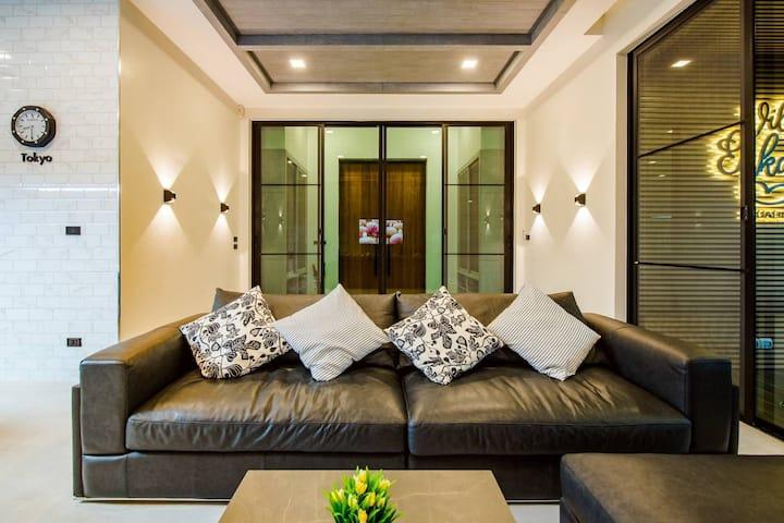 Entire luxury pool villa in Hua Hin : Villa Enkay