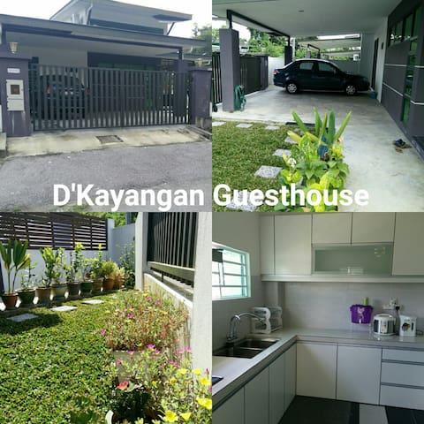 DKayangan Guesthouse - Kuching - House