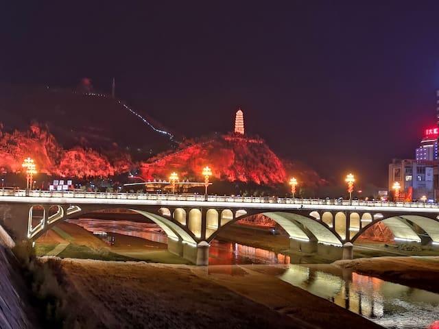 延安宝塔景区市中心延河畔高端影院体验