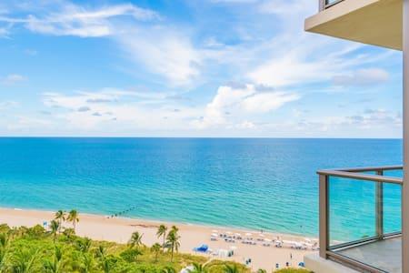 $4 Million Oceanfront Residence ★★★★★ Resort