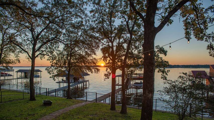 New Listing Discount- Amazing Open Water Home