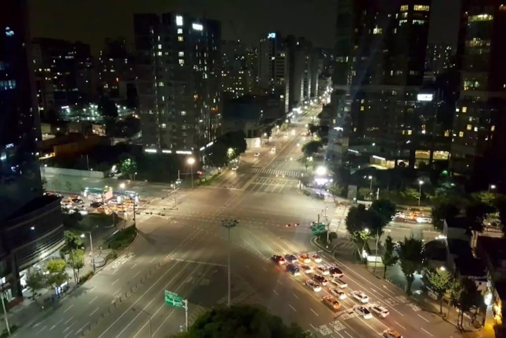 Night Seoul view. Very nice.