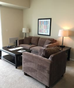 Nice 1BR/1BA in Downers Grove - Downers Grove - 公寓