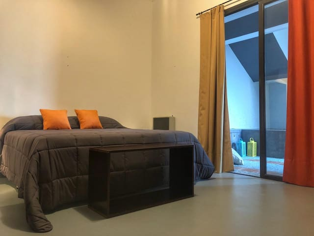 JARDIN ESCONDIDO - Unique and Cozy House - Room B