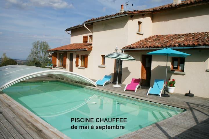 "Gite  6p  ""Le Fournil""  PISCINE chauffée, Auvergne"