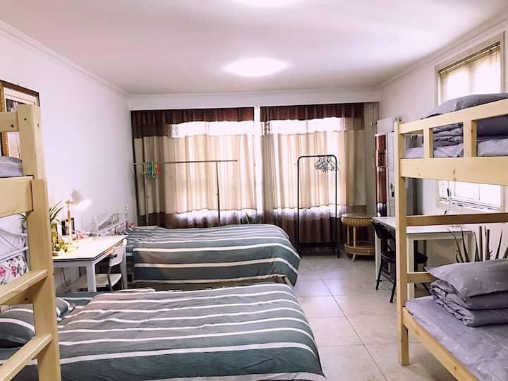 地铁口温馨男生床位,无论您来京出差办事、旅行、工作实习、办理签证最佳住处