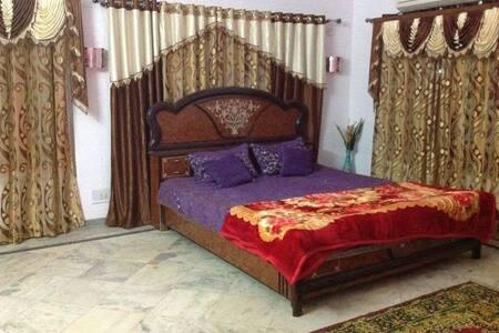 Luxury ac room cozy farm beach house