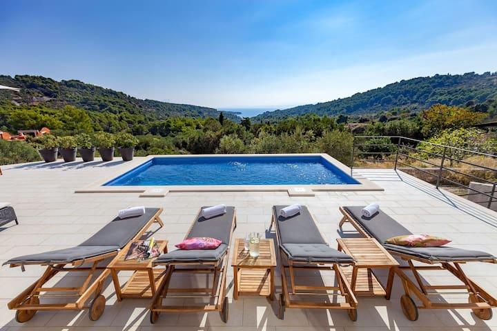 Spacious Villa /Relaxing/Nature/Sea View!!