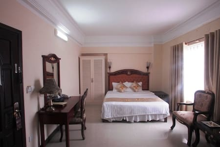 Hoang Long Classic Hotel 3 star in city center - Hai Phong - Hostel