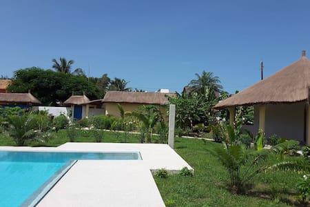 Case de charme Coco plage 50m piscine wifi