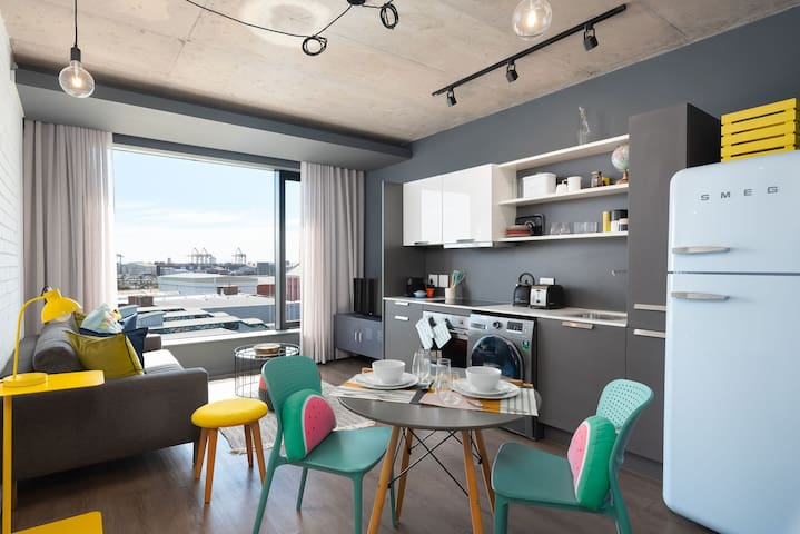 WEX1 633 - Stylish Studio with Harbour Views