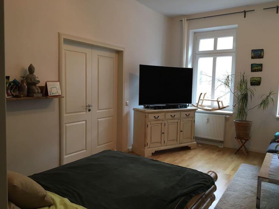 Bett in Schlafzimmer 2