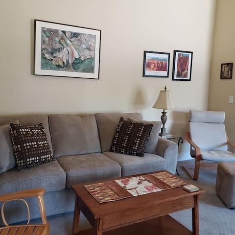 Bright, spacious 2 BR suite in great neighborhood!