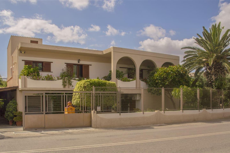 Fotini\'s Garden House - Apartments for Rent in Kissamos, Crete ...