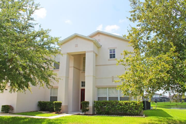 Executive 7 bed lakeside house with pool & spa - Kissimmee - Hús