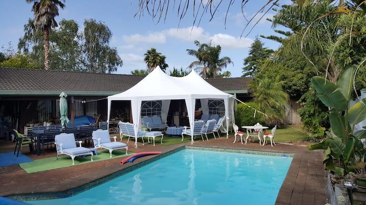 Private Kamo home. Pool & spa.