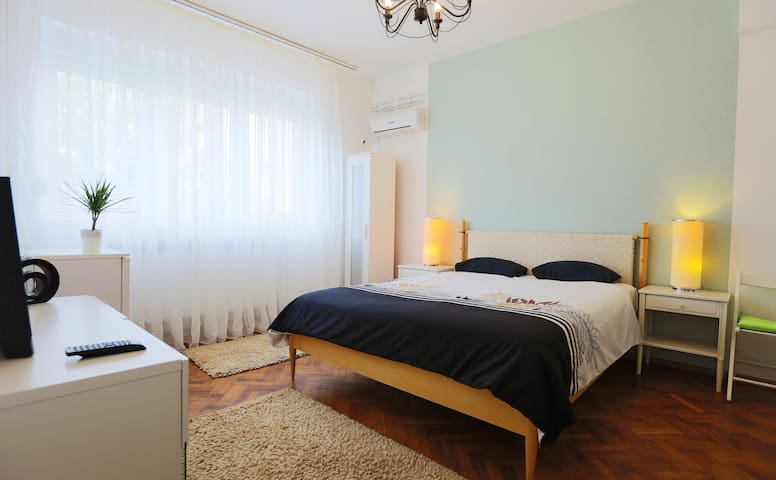 Private Studio Close To Old Town - București - Lejlighed