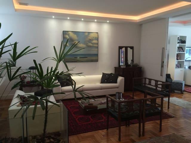 PRAIA DE ICARAÍ, apartamento p 5 pessoas C/GARAGEM