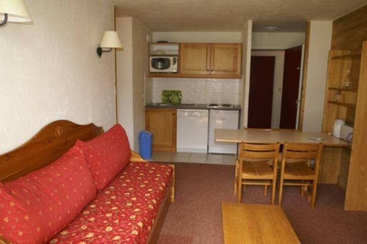 2 pièces chaleureux avec balcon vue piste - Les Adrets - Apartment