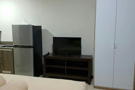 Cozy Riverside Apartment at west Jakarta - west Jakarta - Apartemen