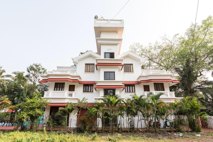 OYO - Fully Furnished 2BR Apartment in Goa - Don't Miss!