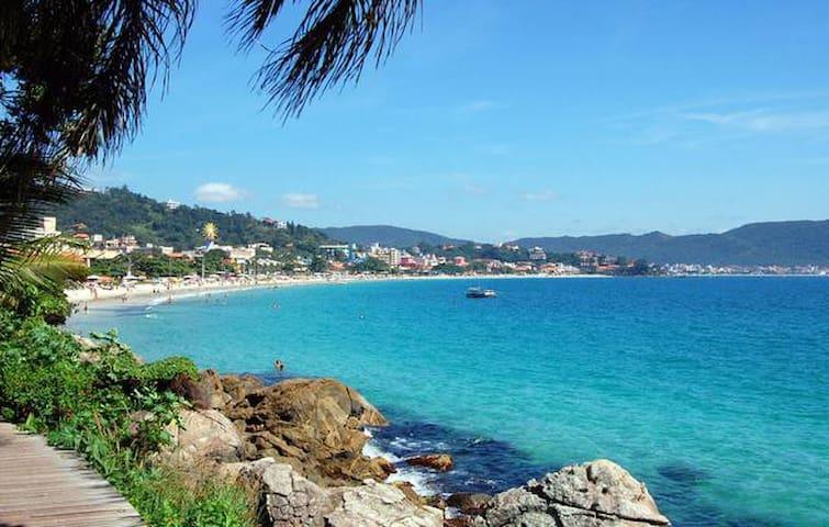 Cobertura a 150 m da Praia Bombinhas-SC